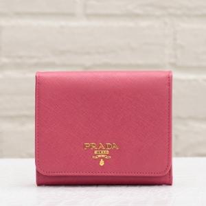 プラダ 三つ折り財布 サフィアーノ ピオニーピンク 折りたたみ コンパクト