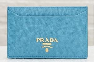 プラダ サフィアーノ カードケース ライトブルー 水色 パスケース 定期入れ
