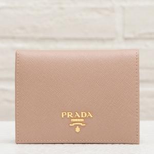 プラダ サフィアーノ 二つ折り財布 コンパクト 人気 カメオベージュ