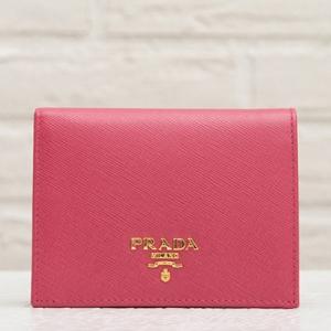 プラダ サフィアーノ 二つ折り財布 ピオニーピンク ペオニア コンパクト