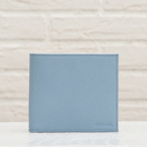 プラダ サフィアーノ メンズ 二つ折り財布 淡いブルー レザー