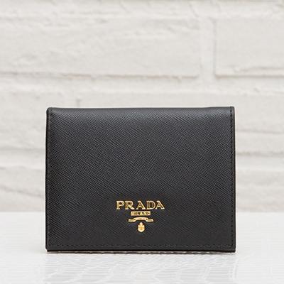 プラダ サフィアーノ 二つ折り財布 ブラック 黒 コンパクト ミニ ちび