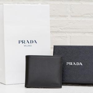 プラダ メンズ 二つ折り財布 ブラック 黒 レザー カーフ