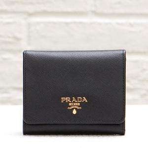 プラダ サフィアーノ 人気 三つ折り財布 ブラック 黒