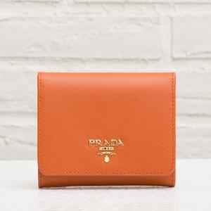 プラダ サフィアーノ 三つ折り財布 オレンジ