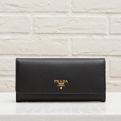 プラダ サフィアーノ スナップボタン長財布 ブラック 黒 旧1M1132