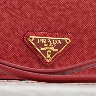 プラダ サフィアーノ リストストラップつきカードケース 名刺入れ ID パスケース レッド 赤 トライアングルロゴ クリスマスプレゼント