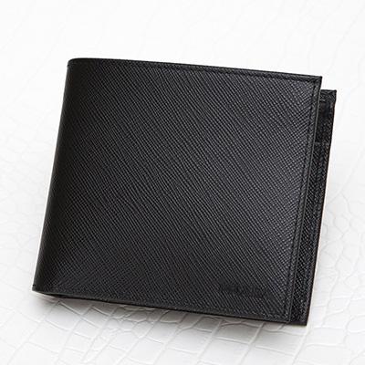 プラダ サフィアーノ メンズ 二つ折り財布 定番 ブラック 黒 格好いい 使いやすい コンパクト