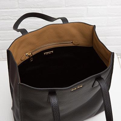 ミュウミュウ レザートートバッグ ハンドバッグ シンプル ブラック 黒 ヴィテッロ・ダイノ カーフレザー A4サイズ 肩掛けOK
