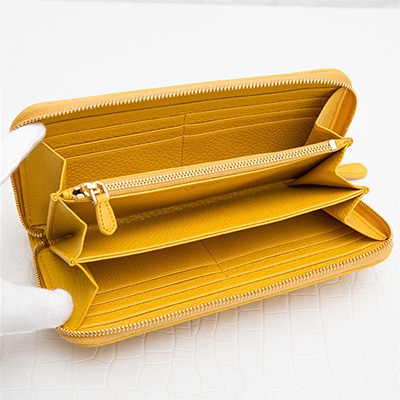 プラダ ヴィテッログレイン ラウンドジップ長財布 イエロー系 黄色 アラウンドファスナー レザー 金運 収納 大容量 カード入れ 小銭入れ お札入れ 携帯ポケット