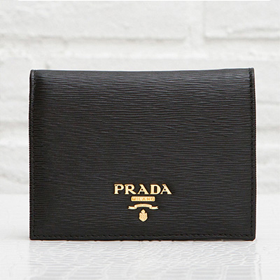 プラダ 二つ折り財布 ミニ コンパクト ヴィテッロ・ムーブ 上品 ブラック 黒