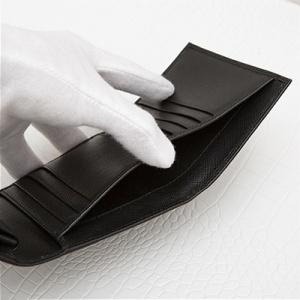 プラダ サフィアーノ 三つ折り財布 ブラック 黒 折りたたみ コンパクト カード入れ 収納が充実 シンプル 上品 エレガント お札入れ