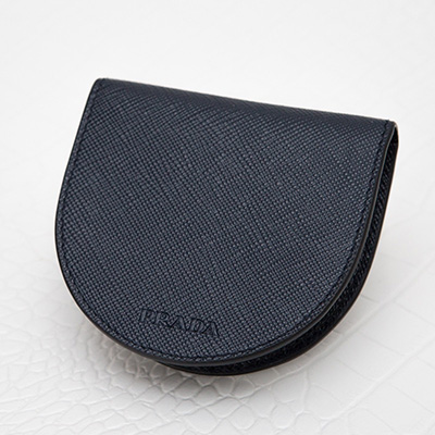 プラダ サフィアーノレザー 馬蹄型コインケース メンズ 型押しカーフ ダークブルー ネイビー 小銭入れ 刻印