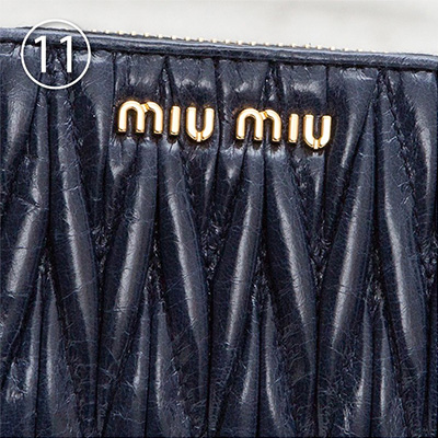 ミュウミュウ マトラッセ コインケース ネイビー ダークブルー カードも入る ラウンドファスナー