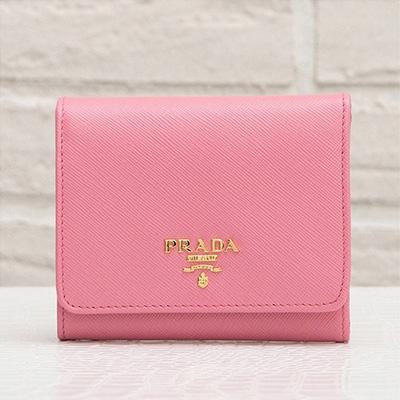 プラダ サフィアーノ 三つ折り財布 ピンク コンパクト