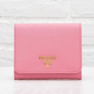 プラダ 財布 ピンク 三つ折り コンパクト
