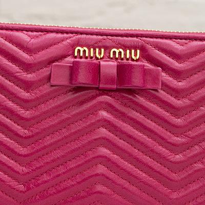 ミュウミュウ 財布 ピンク リボン付き 長財布 フューシャピンク