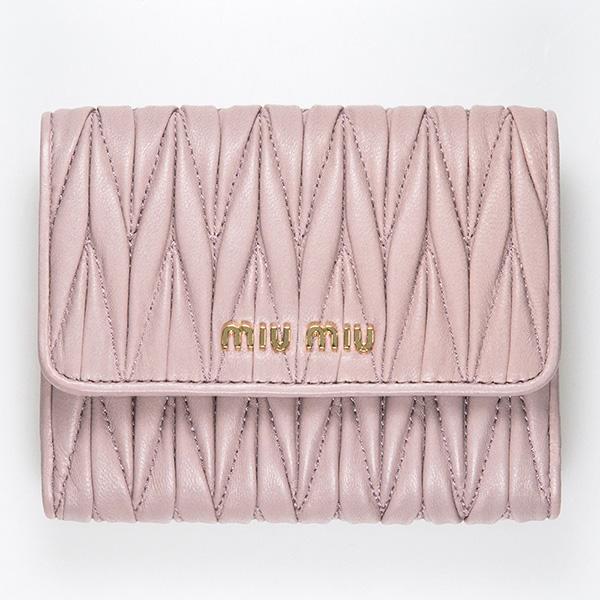 ミュウミュウ 財布 ピンク マトラッセ 二つ折り 使いやすい 可愛い